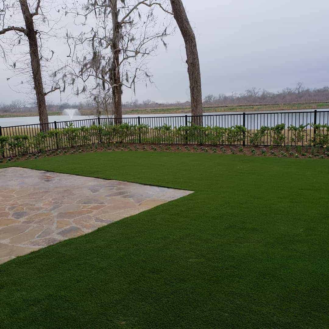 houston-landscaper-artifical-grass-pavers-108